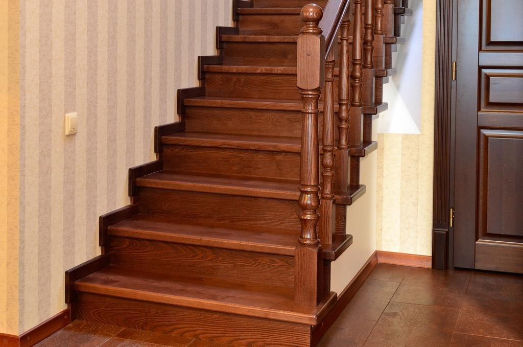 Лестница из массива в Сочи