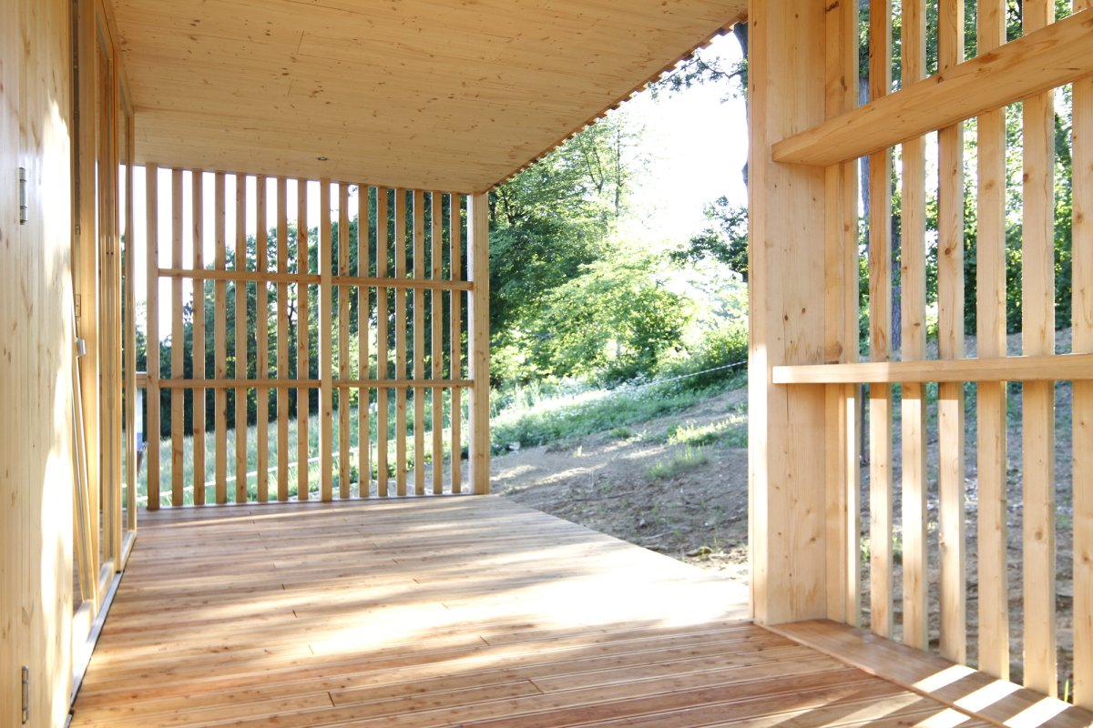 деревянная веранда в Сочи