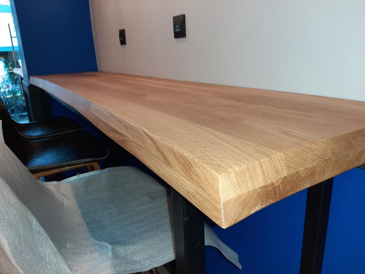 Стол из массива дерева под заказ в Сочи